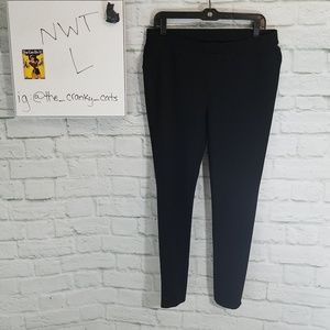 HUE NWT Ponte Leggings